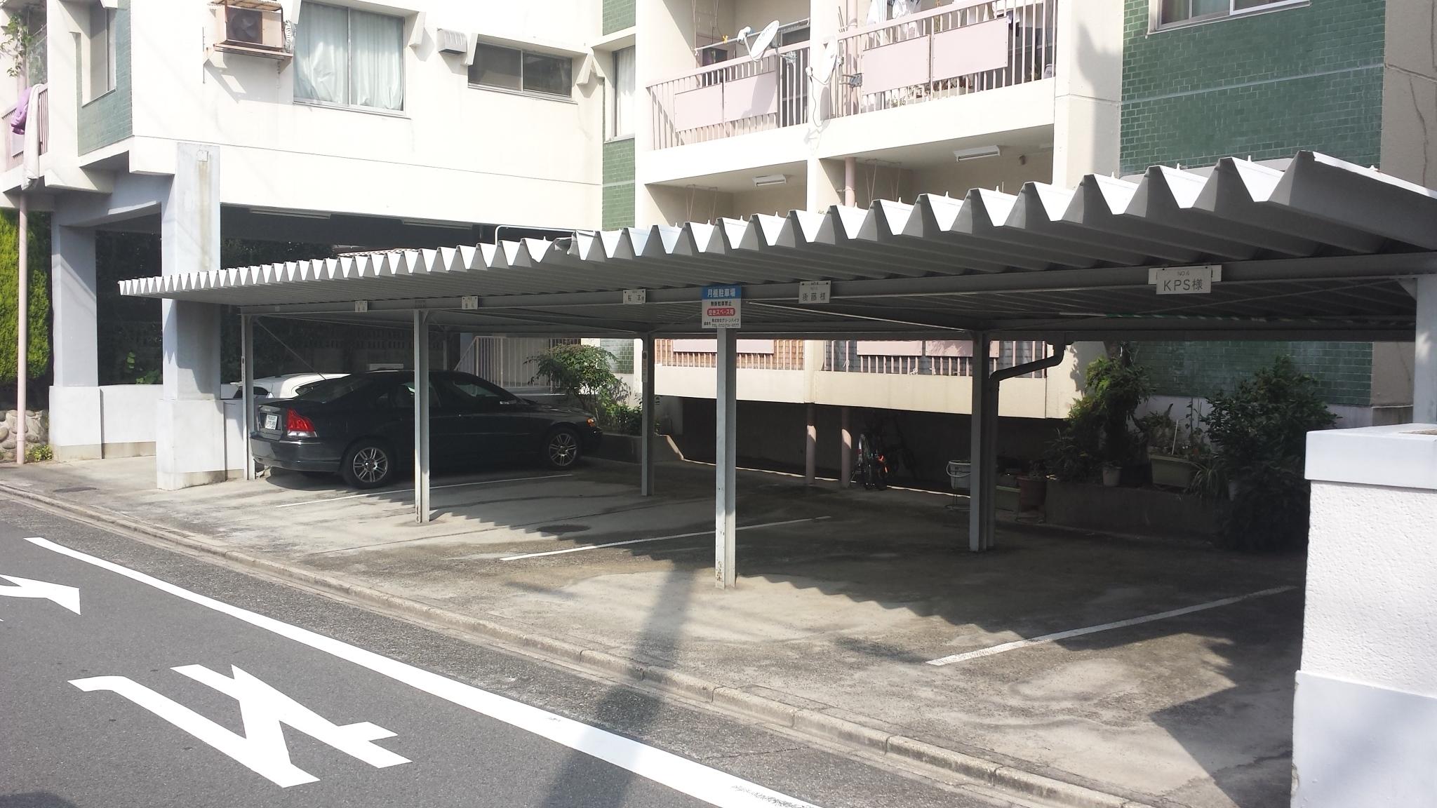 グリーンハイツ鶴舞駐車場