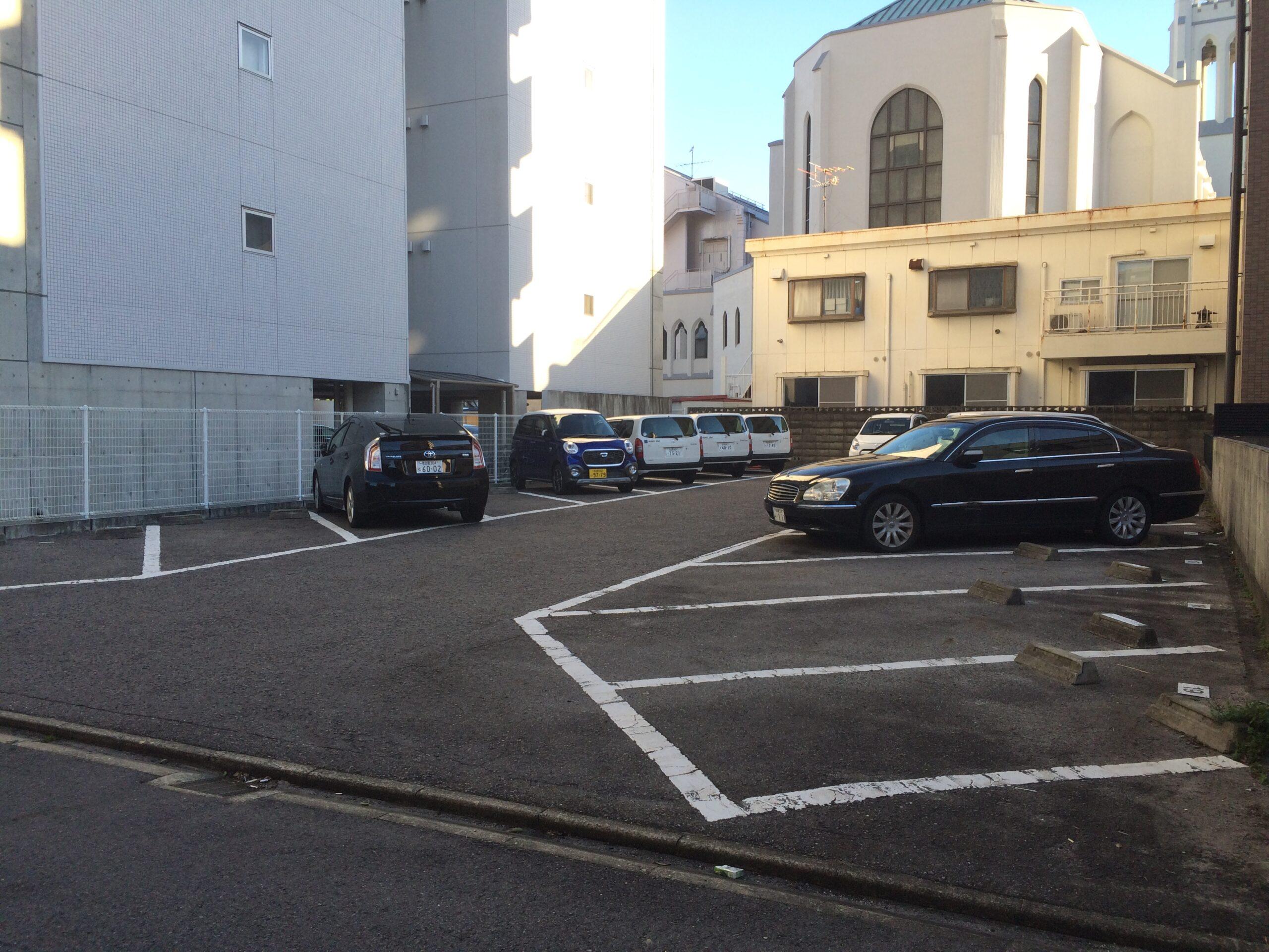 マルミヤ駐車場