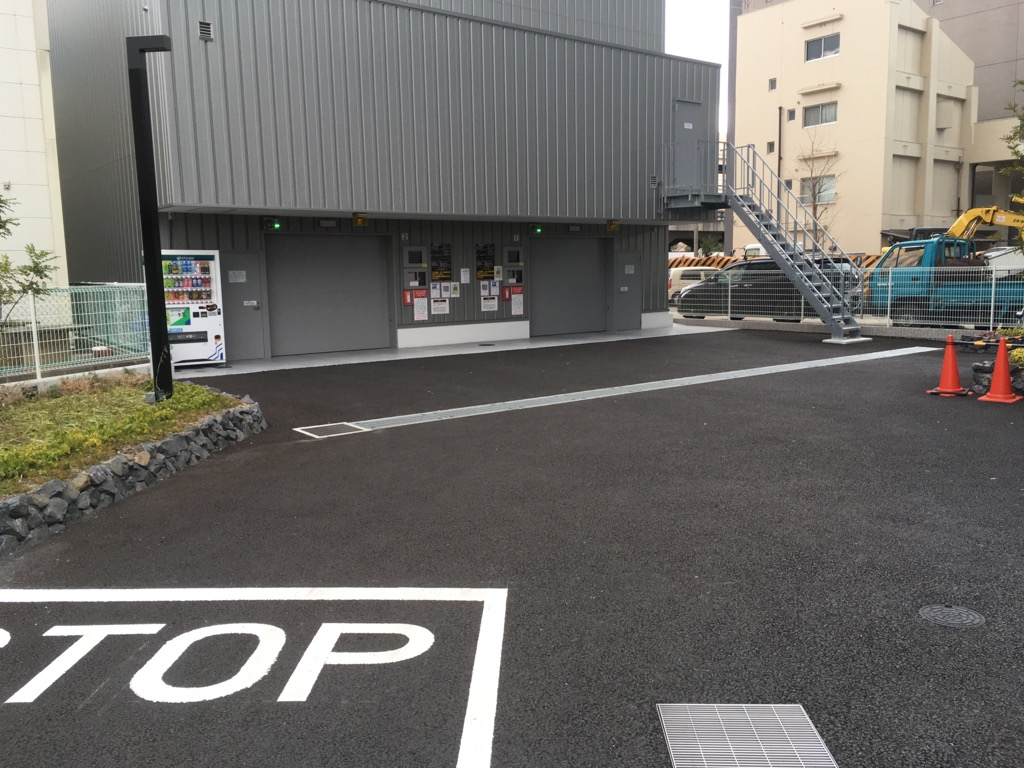 グランルクレ新栄イースト駐車場