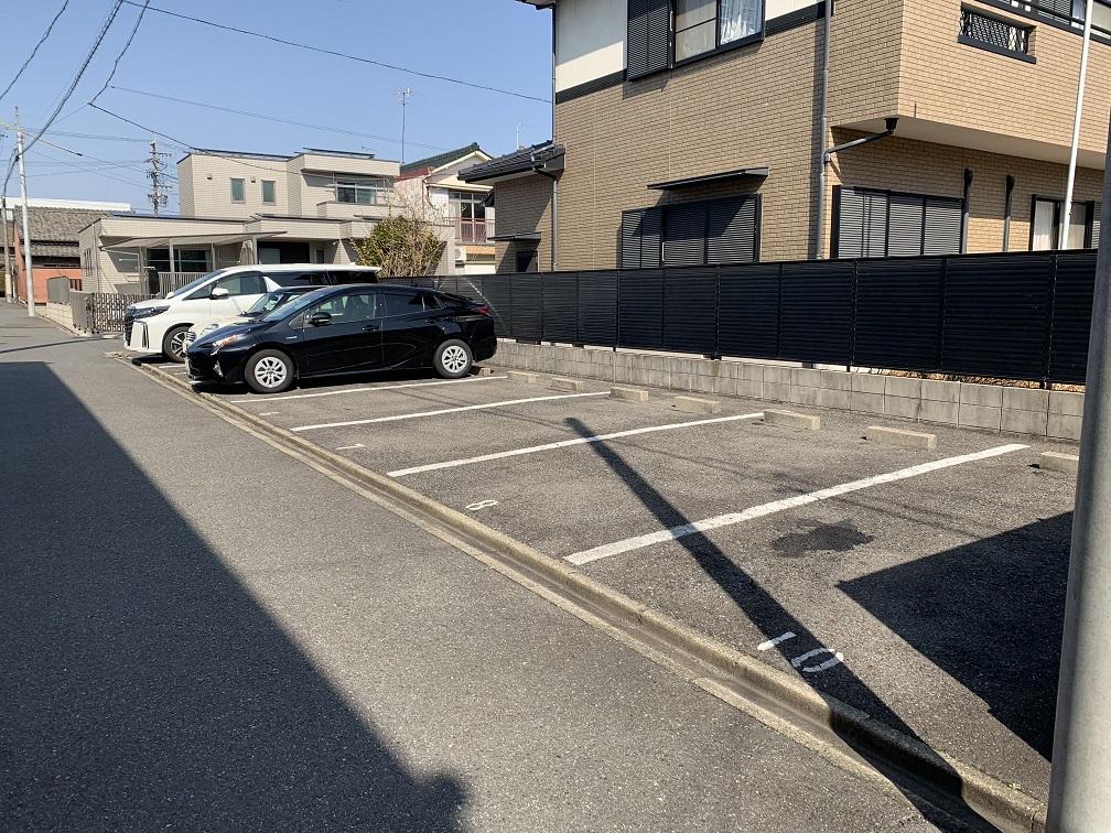 鍵田町駐車場