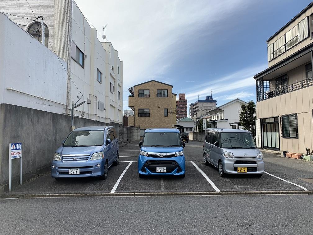 亀城町駐車場