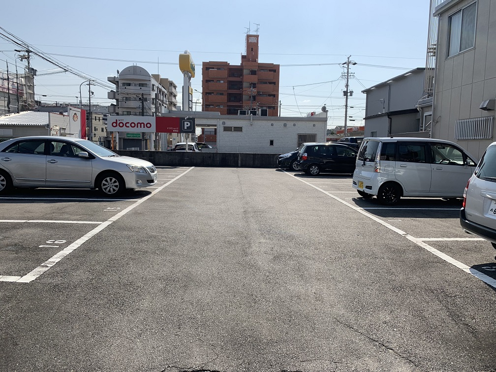 妙音通駐車場